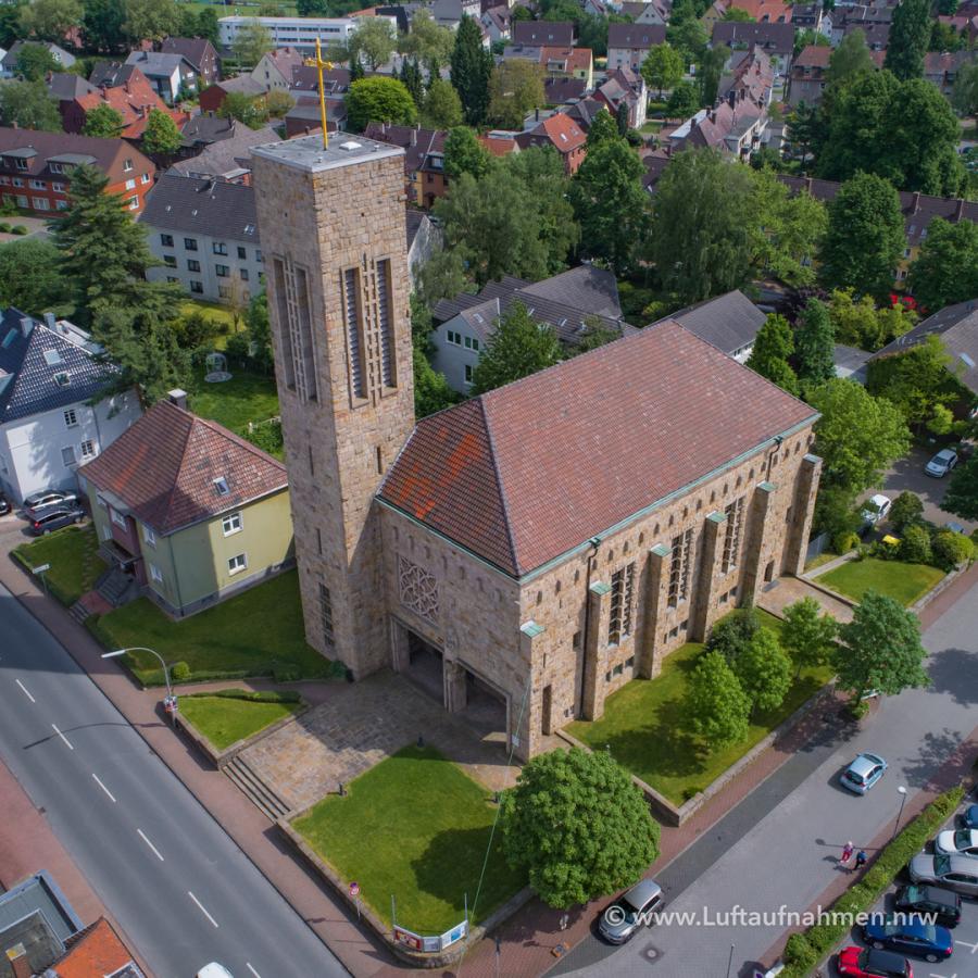 Luftbilder per Drohne - Kirche in NRW