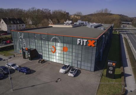 FitX Iserlohn, ein Luftbild von Luftaufnahmen.NRW aus Bochum