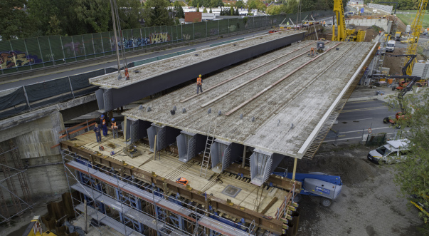 Luftaufnahmen Luftbilder per Drohne vom Brückenbau in Bochum